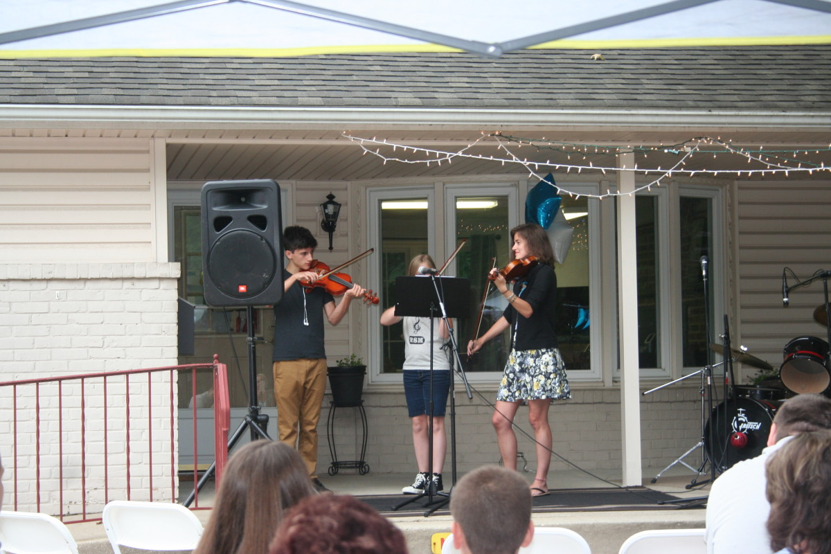 Our very own Resonance Violin Trio!